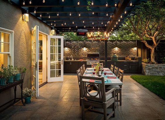 Outdoor kitchen features   outdoor lighting