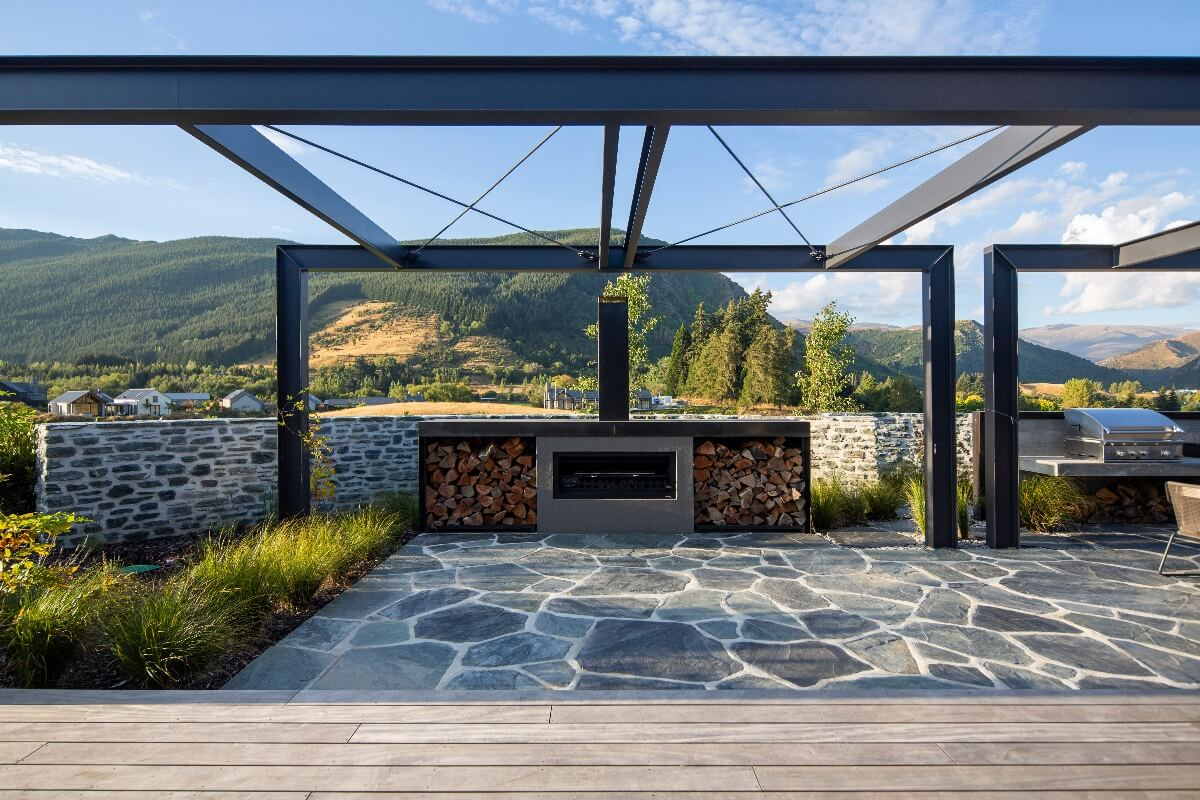 OUTDOOR FIREPLACE TRENDS