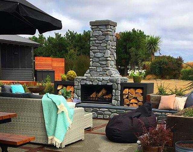 outdoor-fireplace-new-zealand-summer-entertaining
