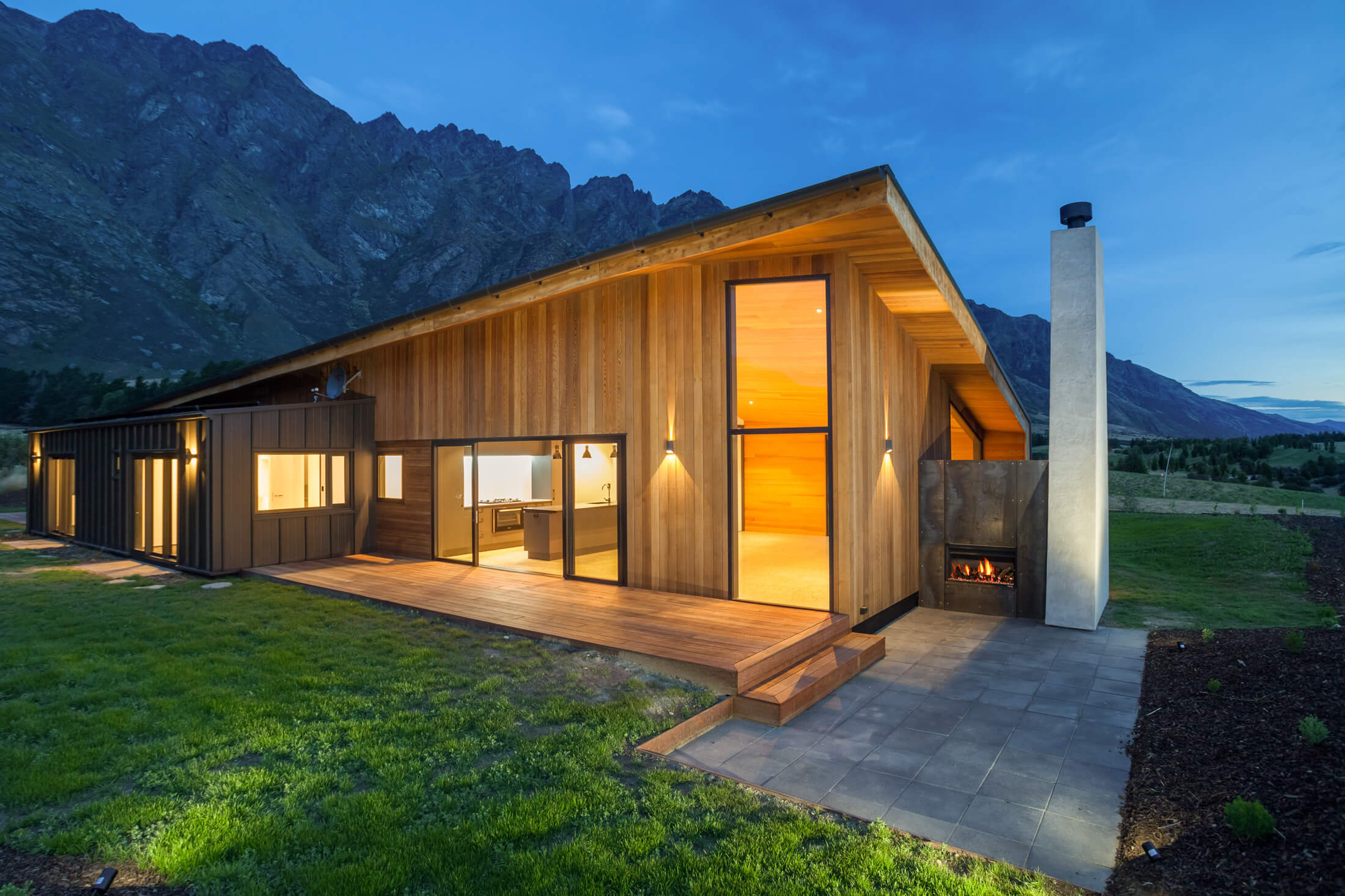 Herron-Bach-GARDEN-VIEW-house-night-custom-customer-unique-designer-architect-chimney-mountain.jpg