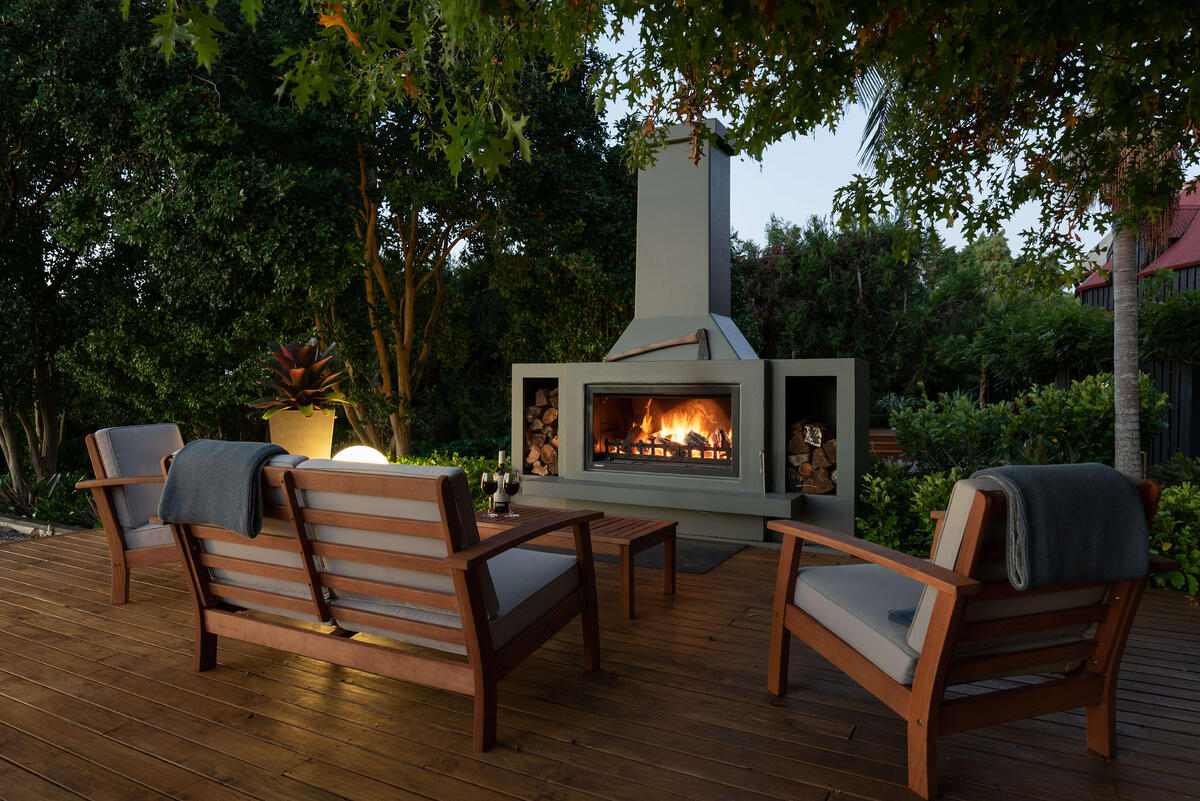 Outdoor fireplace inspiration with a Trendz Douglas fireplace
