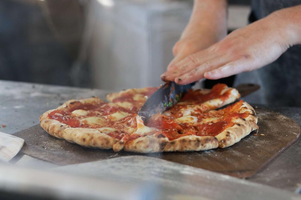 Buying a wood-fired pizza oven