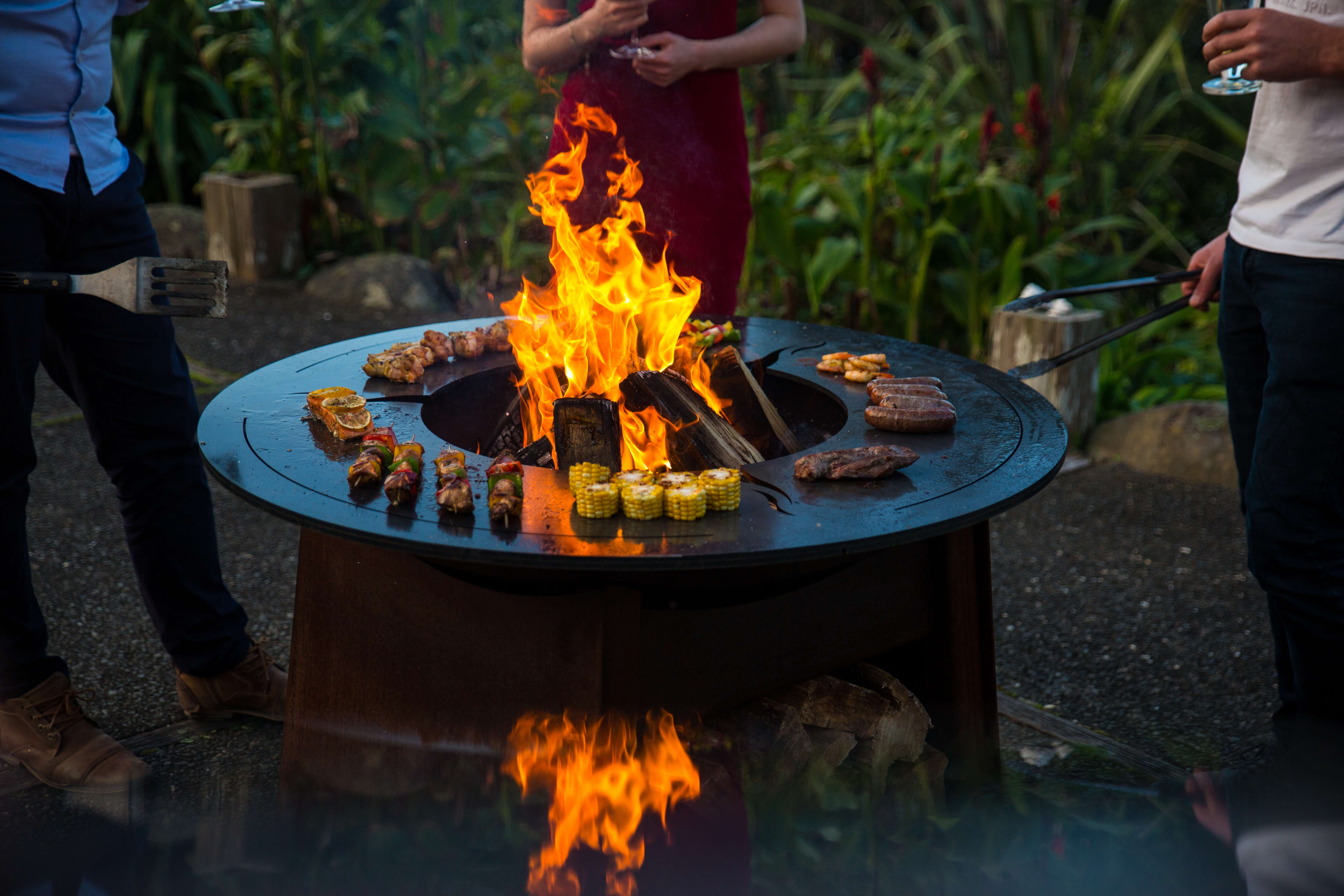 Cooking on an outdoor fire